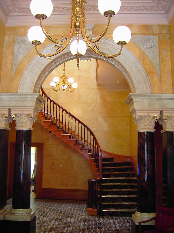 Struan House hallway with faux marble painting