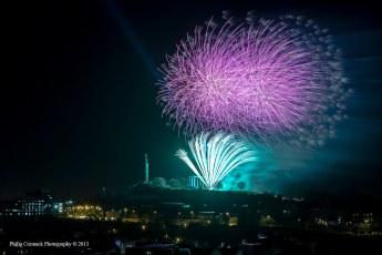 Fireworks at Calton Hill - Torchlight Procession / Son Et Lumerie (2013)