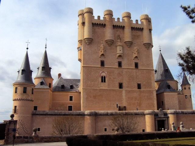 Alcázar de Segovia by bryandkeith on flickr