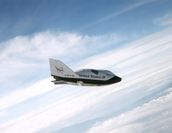 X-38 Ship 2 in Free Flight | The X-38, a research vehicle ...