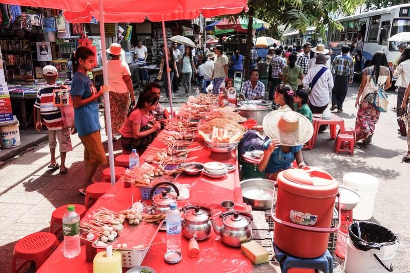 2013-05-05 Yangon - DSC08900-FullWM