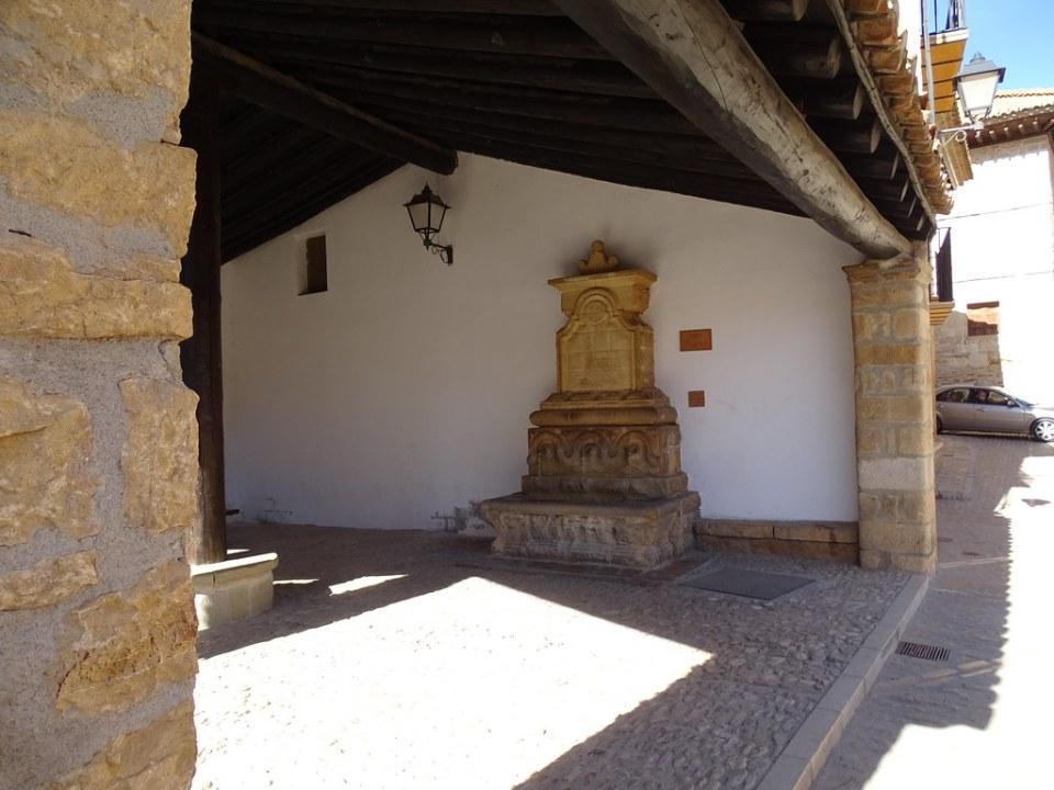 Fuente Nueva La Iglesuela del Cid Comarca del Maestrazgo Teruel 01