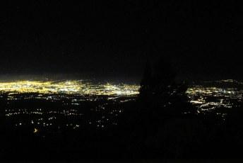 San José by night.