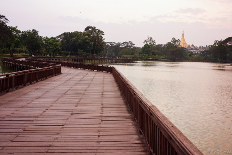 2013-05-05 Yangon - DSC09829-FullWM