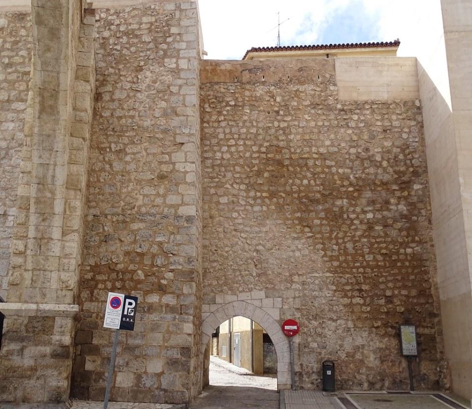 Teruel Portal de San Miguel o La Traicion 02