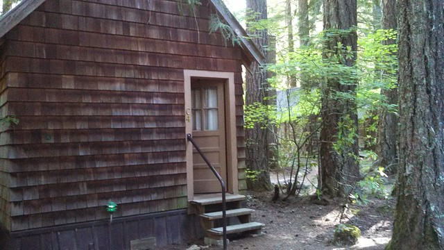 Breitenbush Hot Springs cabin