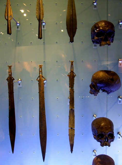Bronze Age skulls and weapons