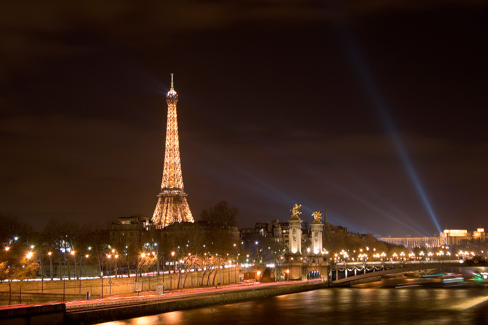 Paris - Eiffel Tower by night