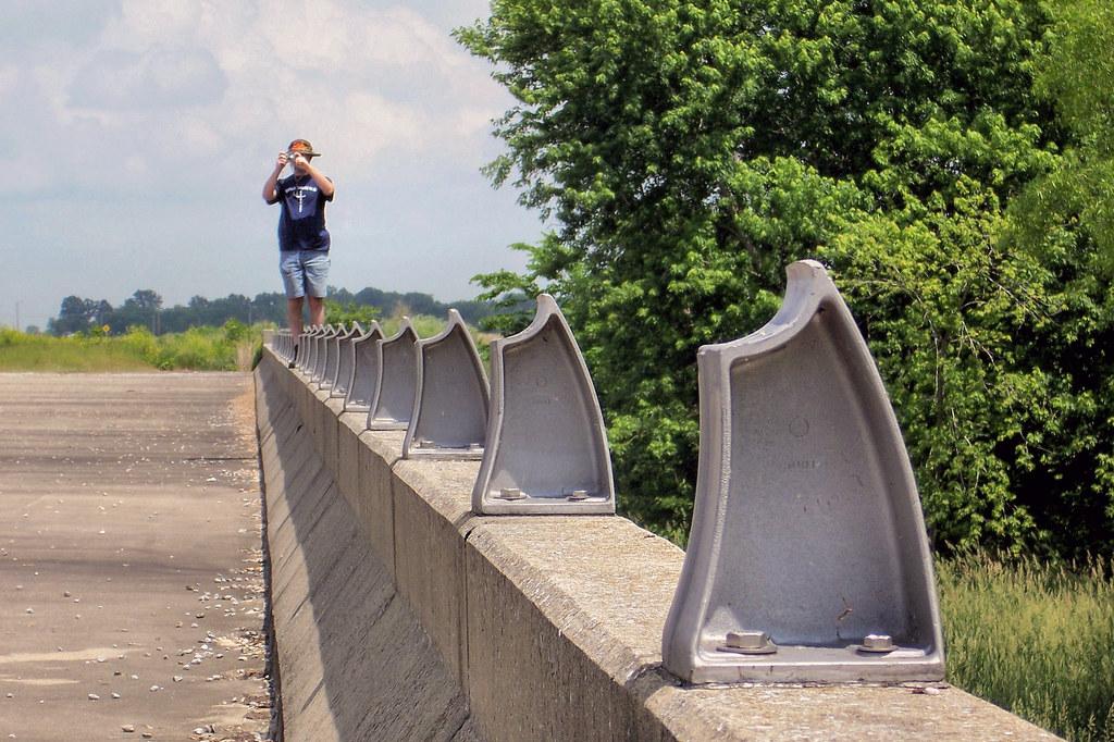 Abandoned, never used US 50 bridge