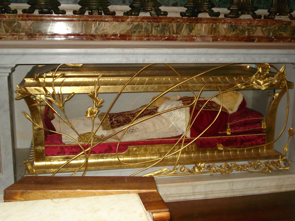 Dead Pope Dead Pope Inside St Peter S Basilica There
