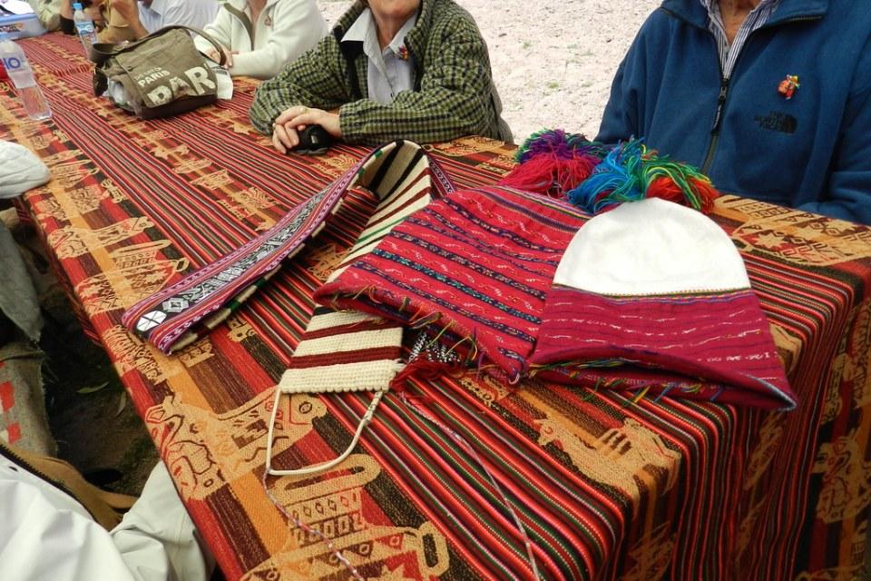 Peru tejidos Lago Titicaca Isla Taquile 01