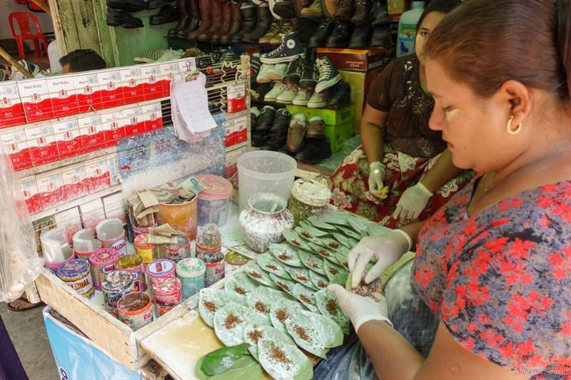 2013-05-05 Yangon - DSC09129-FullWM