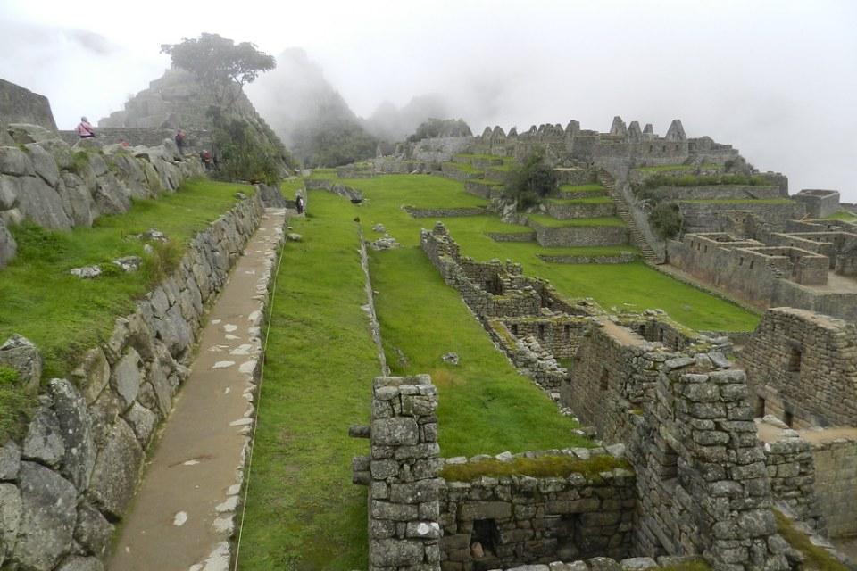 Peru Machu Picchu plaza principal 07