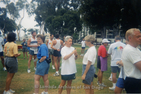 P263.020m.r.t Front Runners and Walkers of San Diego at 1998 Mud Pride: Group shot of runners in the park