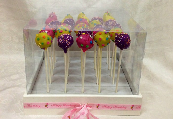 Cake Pops In Display Box Tracey Chooi Flickr