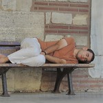 4-Chico-durmiendo-en-mezquit-Sehzade