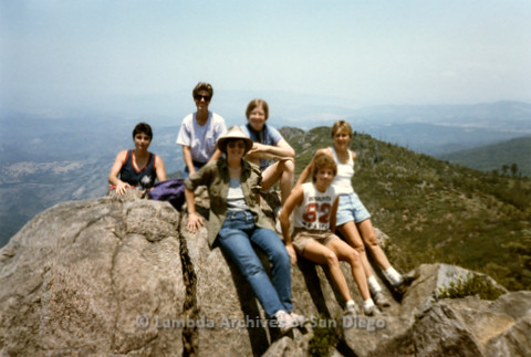 P008.125m.r.t Cuyamaca 1986: Group photo on the top of the mountain