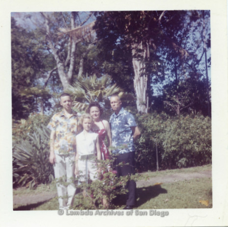 P338.091m.r.t Young Charles McKain on vacation in Hawaii with his family