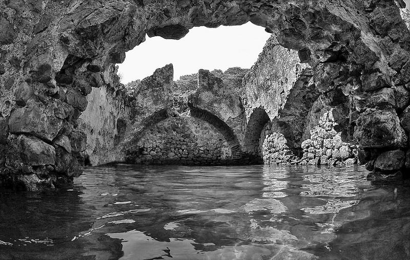 edifici sommersi di epoca bizantina nel golfo di Fethiye, Turchia / Submerged buildings of Byzantine age in the gulf of Fethiye, Turkey.