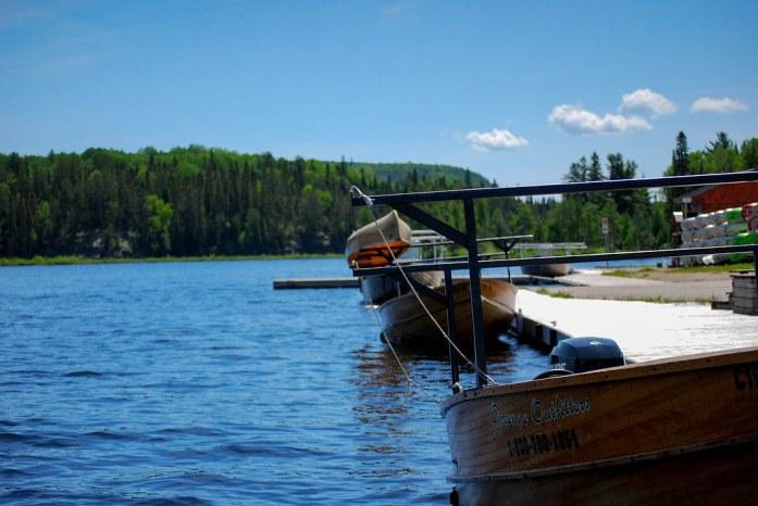 Canoas en el lago Opeongo, Algonquin Park, Canadá