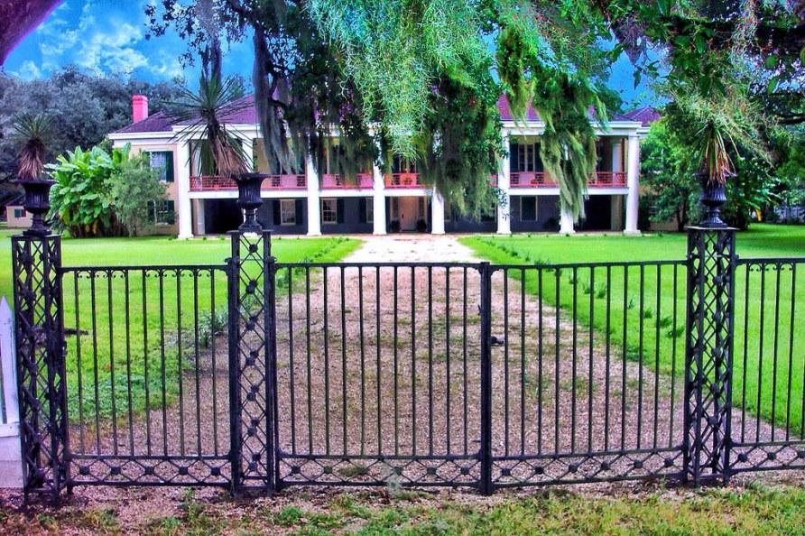 Houmas House and Gardens ~ Louisiana ~ Historical Antebellum