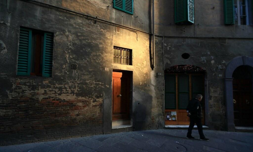 Door   ~Dusk  streetscape @ Siena ~