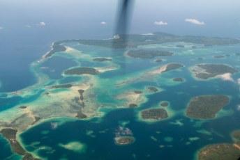 Onderweg zagen we dat het aantal van ruim 900 eilanden in dit land weleens zou kunnen kloppen.