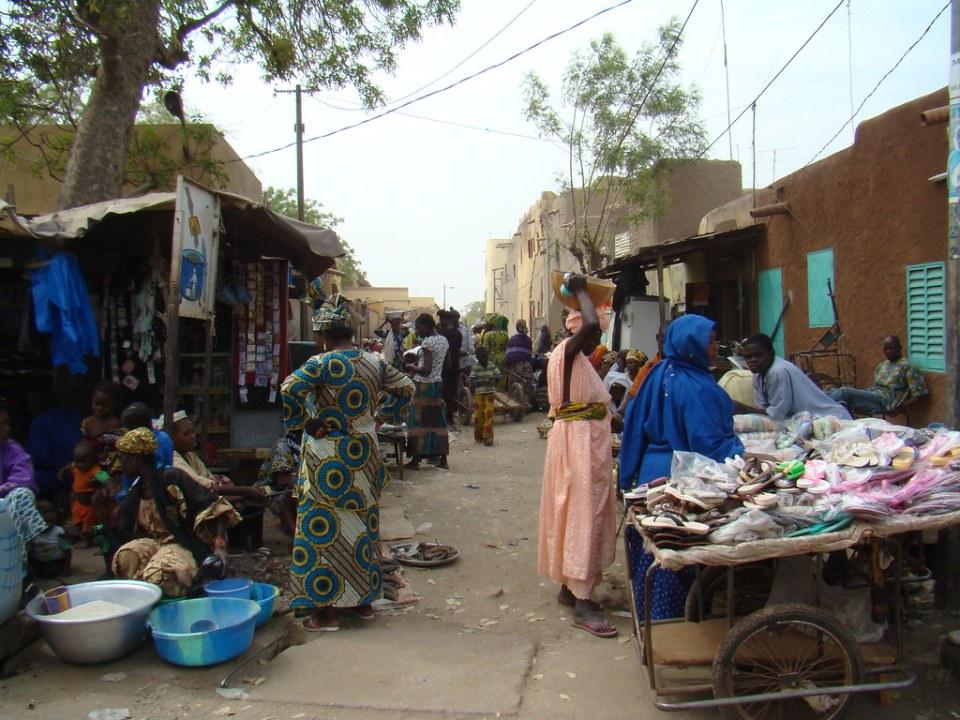 Mercado Sougouni o de las mujeres en Mopti Mali 59