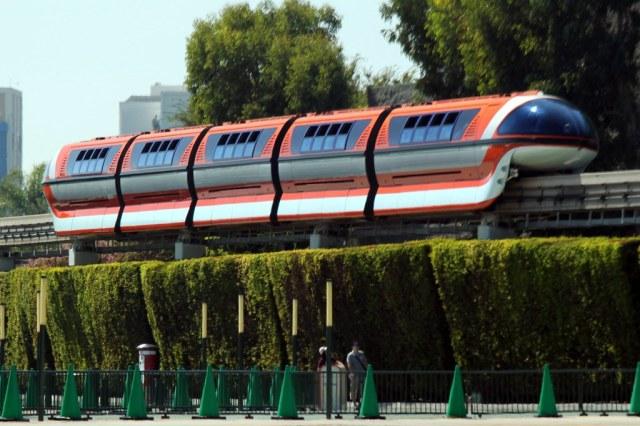 Disneyland Monorail   Disneyland ~ Anaheim, California   Prayitno ...