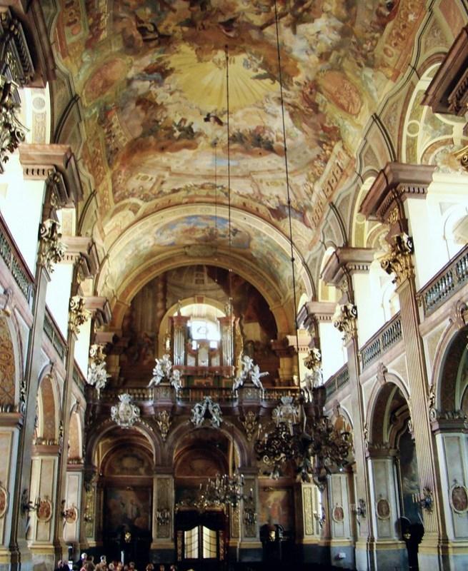 organo y boveda interior Iglesia universitaria del Santísimo Nombre de Jesús Breslavia Polonia 12
