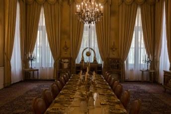 Dat witte paleis is gebouwd in de jaren 30 van de vorige eeuw door Reza Shah.