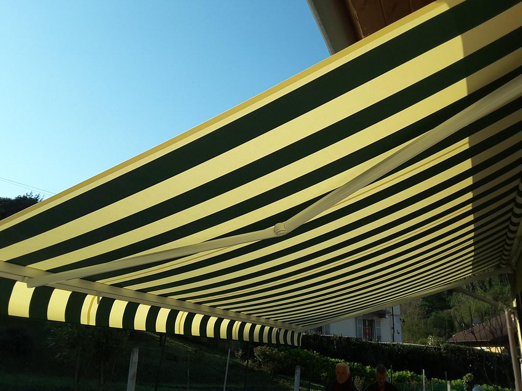 Scegli tra i modelli di tende da sole a caduta a bracci, tende da sole a caduta con rullo o una tenda da sole a bracci estensibili (a barra quadra). Tenda Da Sole A Bracci Estensibili Larghezza 700 X 400 Di Flickr