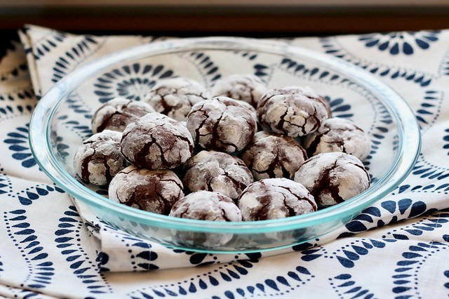 Chocolate Crinkle Cookies - 24