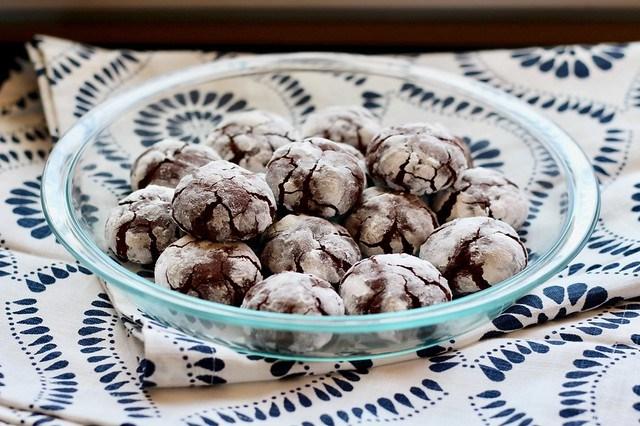 Chocolate Crinkle Cookies - 24