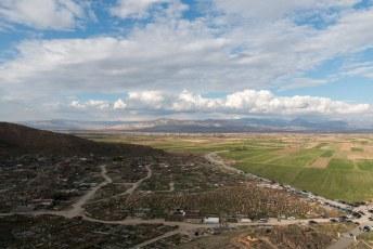Het uitzicht vanaf de heuvel van Khor Virap over de begraafplaats.