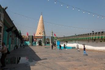 In Shush lig de profeet Daniël begraven. Net als in Oezbekistan (zie mijn fotoreportage van Oezbekistan elders op deze site).