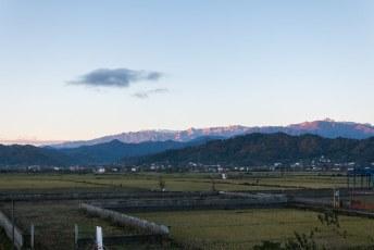 De zonsopkomst in Astara aan de grens met Azerbeidzjan. We waren vroeg opgestaan want we hadden ontzettend veel zin in bier en varkensvlees. Bakoe here we come.