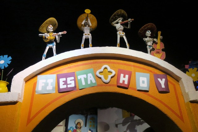 Disney World - Epcot: Mexico Pavilion - Gran Fiesta Tour Starring the Three Caballeros