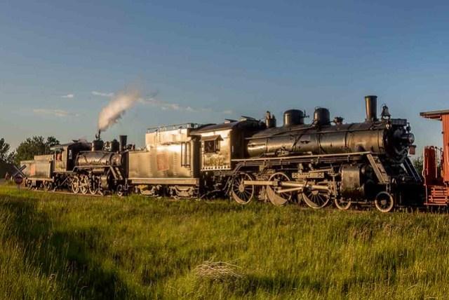 Day 3-ARM steam loco 1392 and APST steam loco 41 northbound from Big Valley_Alberta_06_20170630