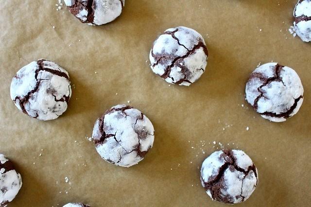 Chocolate Crinkle Cookies - 17