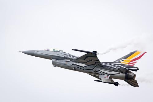 Belgian Air Force Lockheed Martin General Dynamics F-16 Fighting Falcon performing its Aerobatic Display at Fairford International Air Tattoo RIAT 201