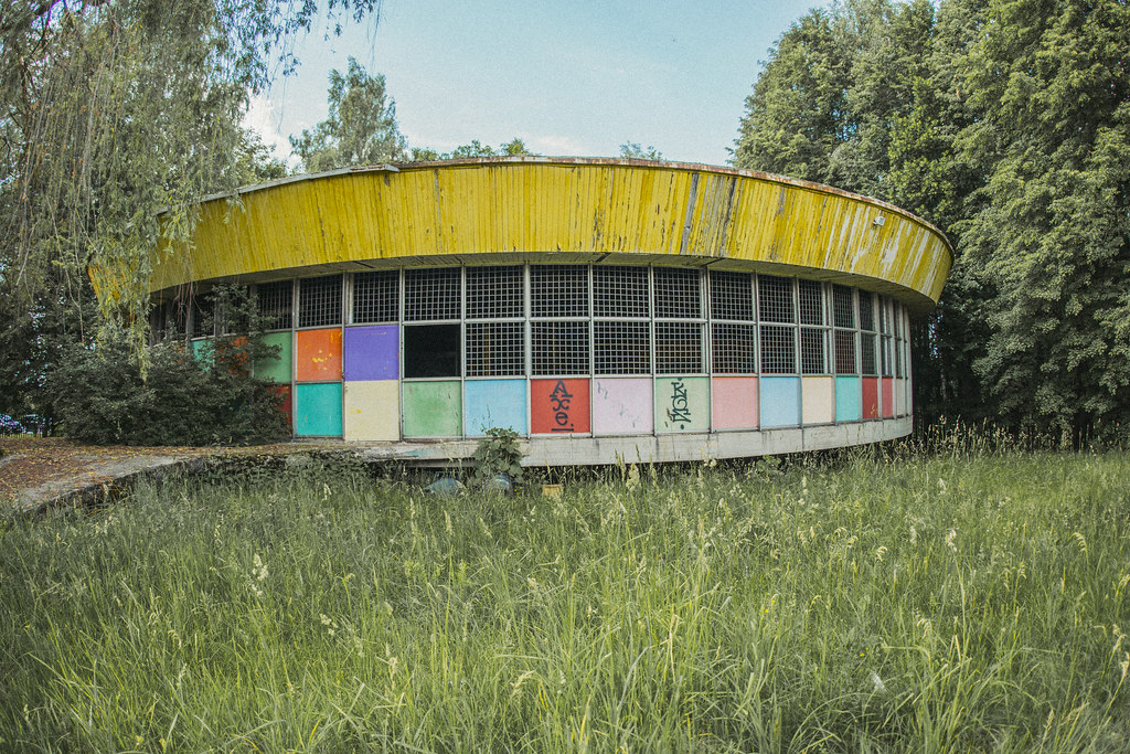 Elektrėnai - apleistas pramogų parkas
