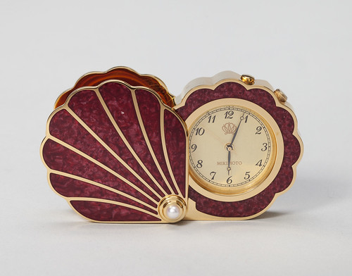 Shell-Shaped Pocket Watch
