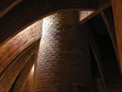 Barcelona Pedrales top vaulting