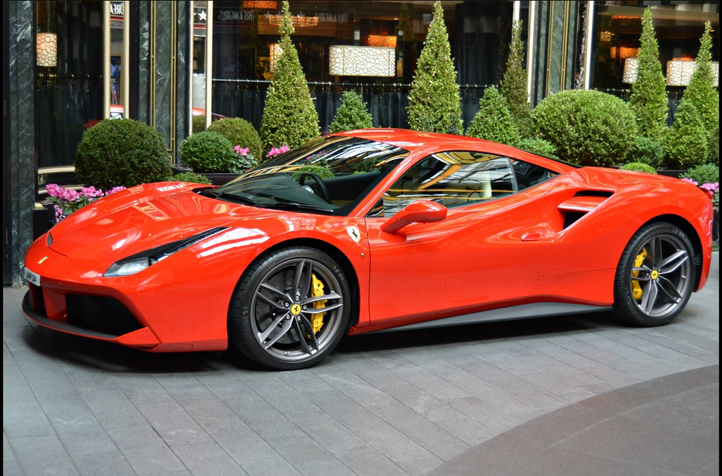 Ferrari 488 Gtb This Looks Like The Shiniest Car In The