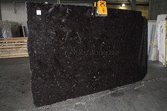 Antique Brown Granite slabs for countertops