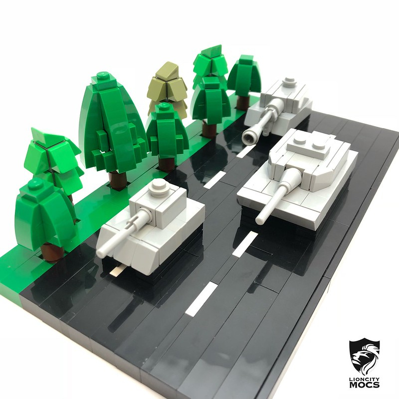 Here's a little diorama of three microscale tanks rolling out, namely the Leopard 2SG, the Bionix AFV and the SSPH Primus.