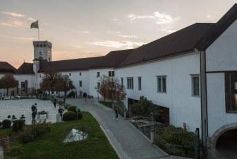 De Romeinen bouwden hier al een eerste nederzetting, maar pas sinds de 12de eeuw is het een echt kasteel.