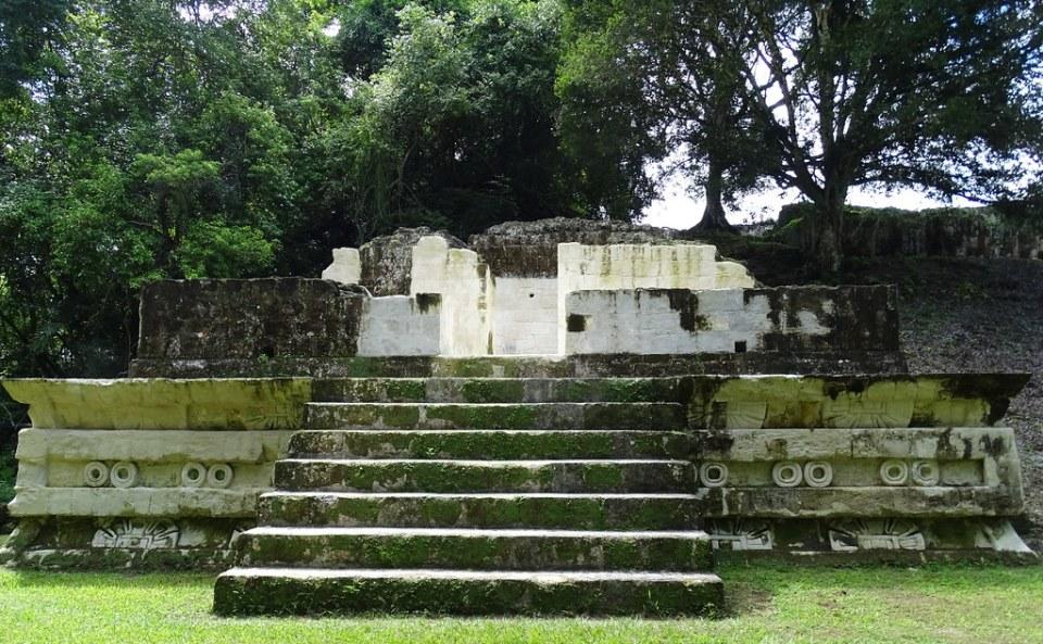 Tikal Plaza mayor Estructura 5D-43 Ciudad Maya Sitio Arqueologico Guatemala 05