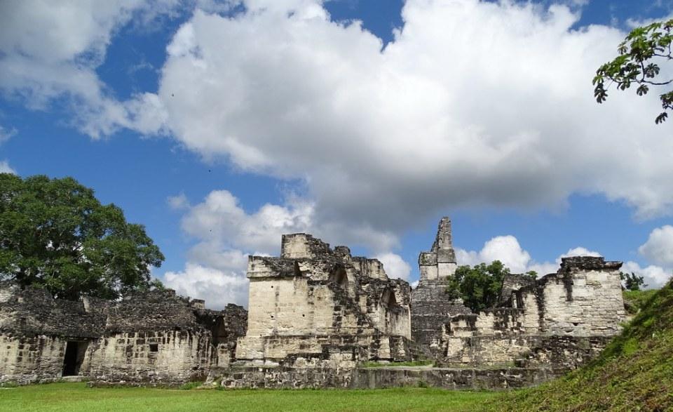 Tikal Acropolis Ciudad Maya Sitio Arqueologico Guatemala 08
